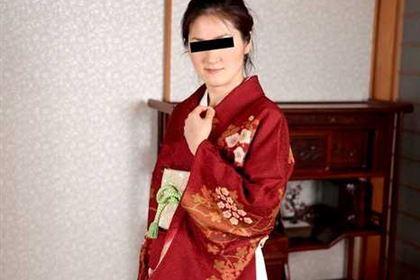 人妻なでしこ調教 スレンダー熟女がごっくん調教 三浦かな(市川サラ)