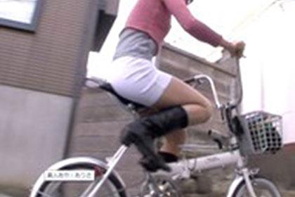 素人あや・ありさ 【ノーパンサイクリングで街中大疾走】