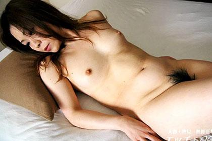 存分に見てあげて下さい。イキまくる変態人妻を! 梶山由美