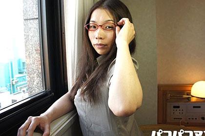 知的巨乳熟女 河本昌希