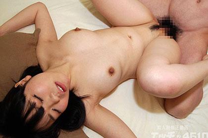卑猥な玩具でのけぞりまくり! 超美乳 津田由加里